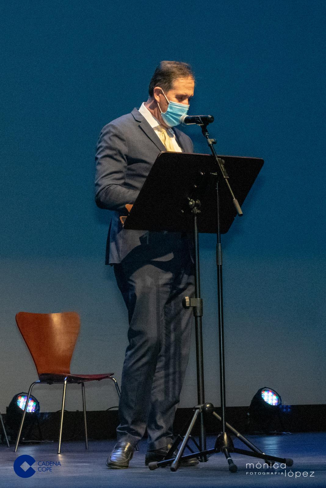 Alberto Gómez pronunciando su discurso