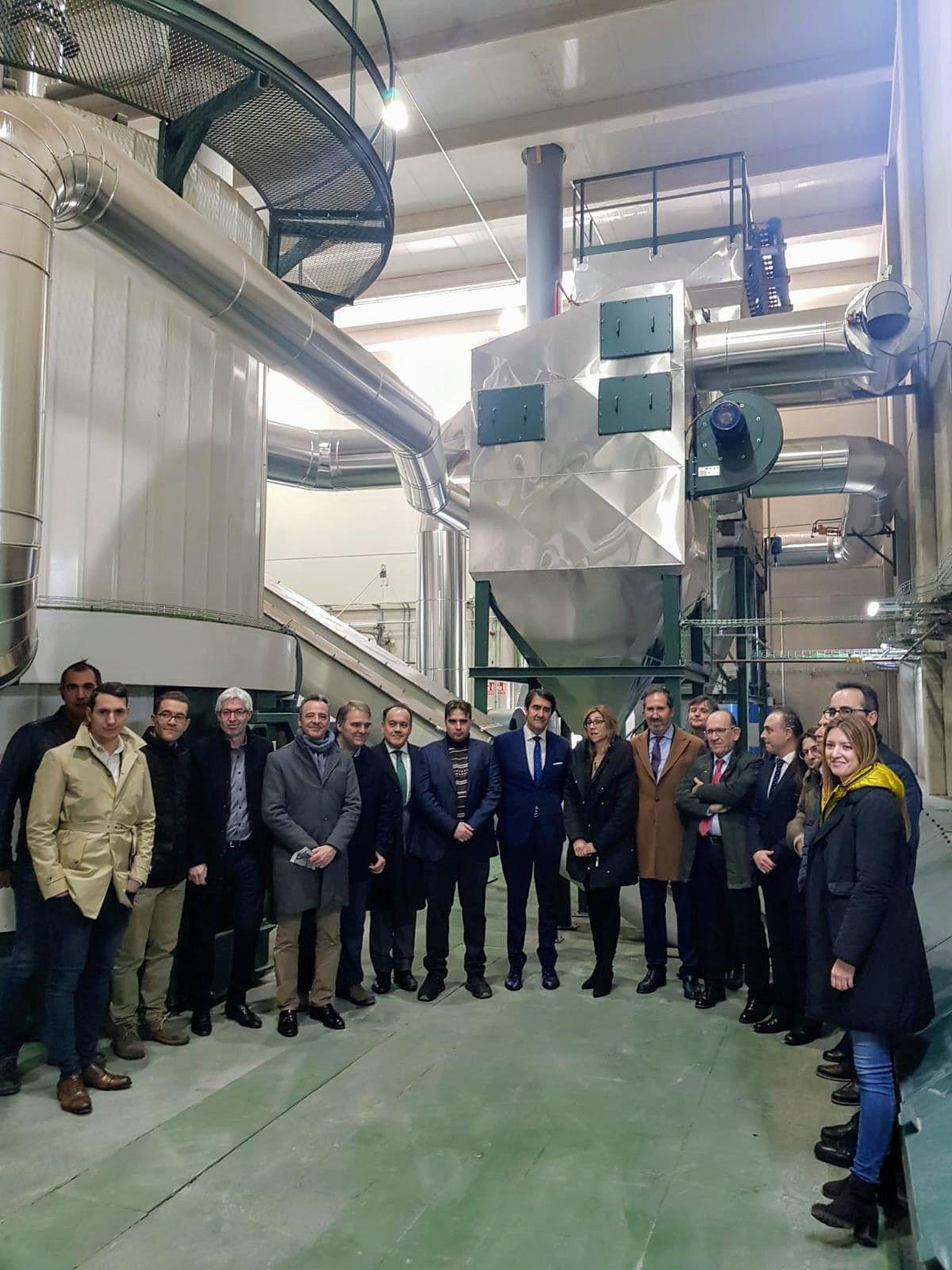 El consejero de Medio Ambiente inaugura la nueva Red de Calor de Aranda de Duero que abastecerá de energía térmica a 4.600 viviendas
