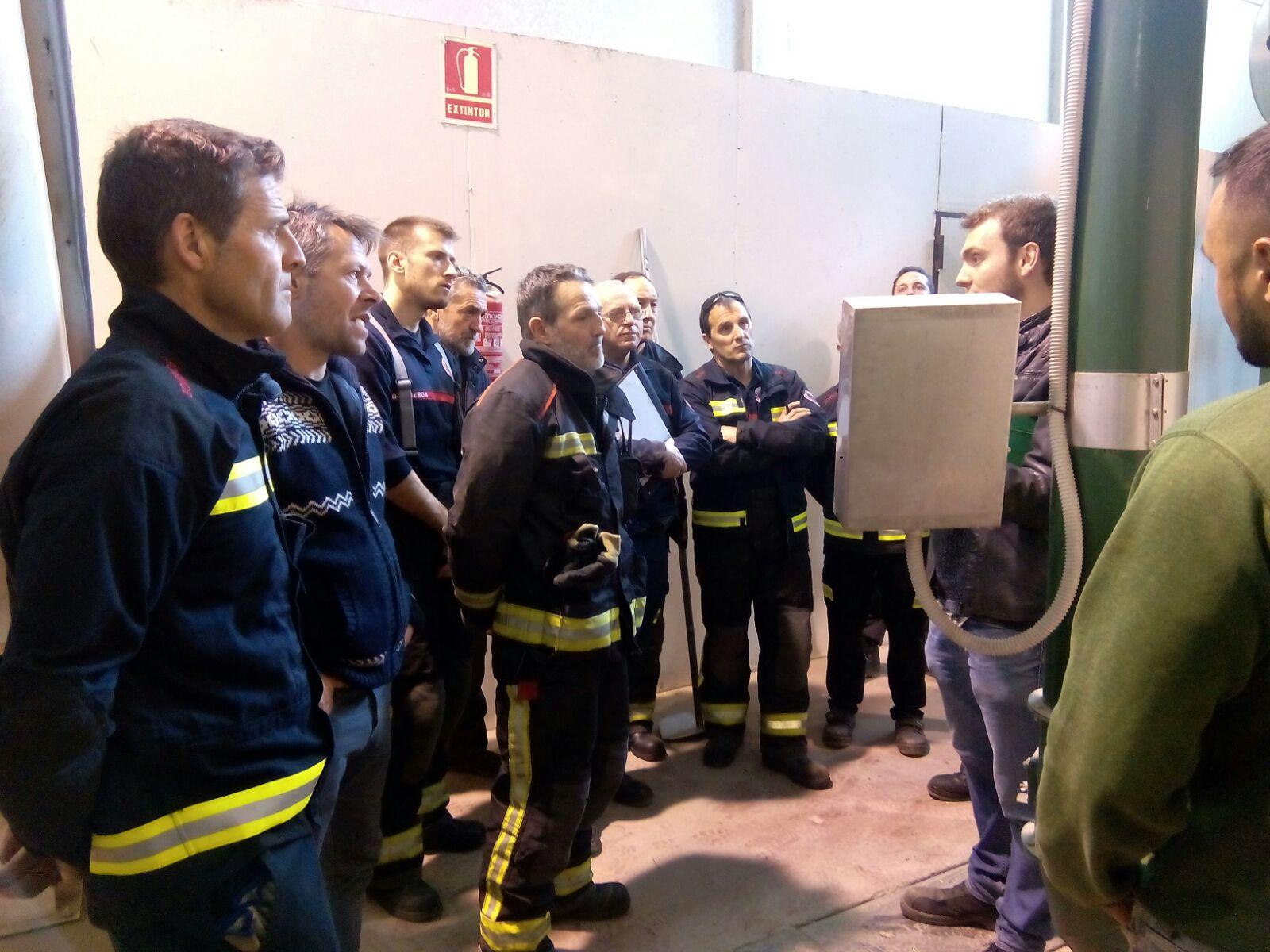 Visita de los bomberos de Soria a la central térmica-2