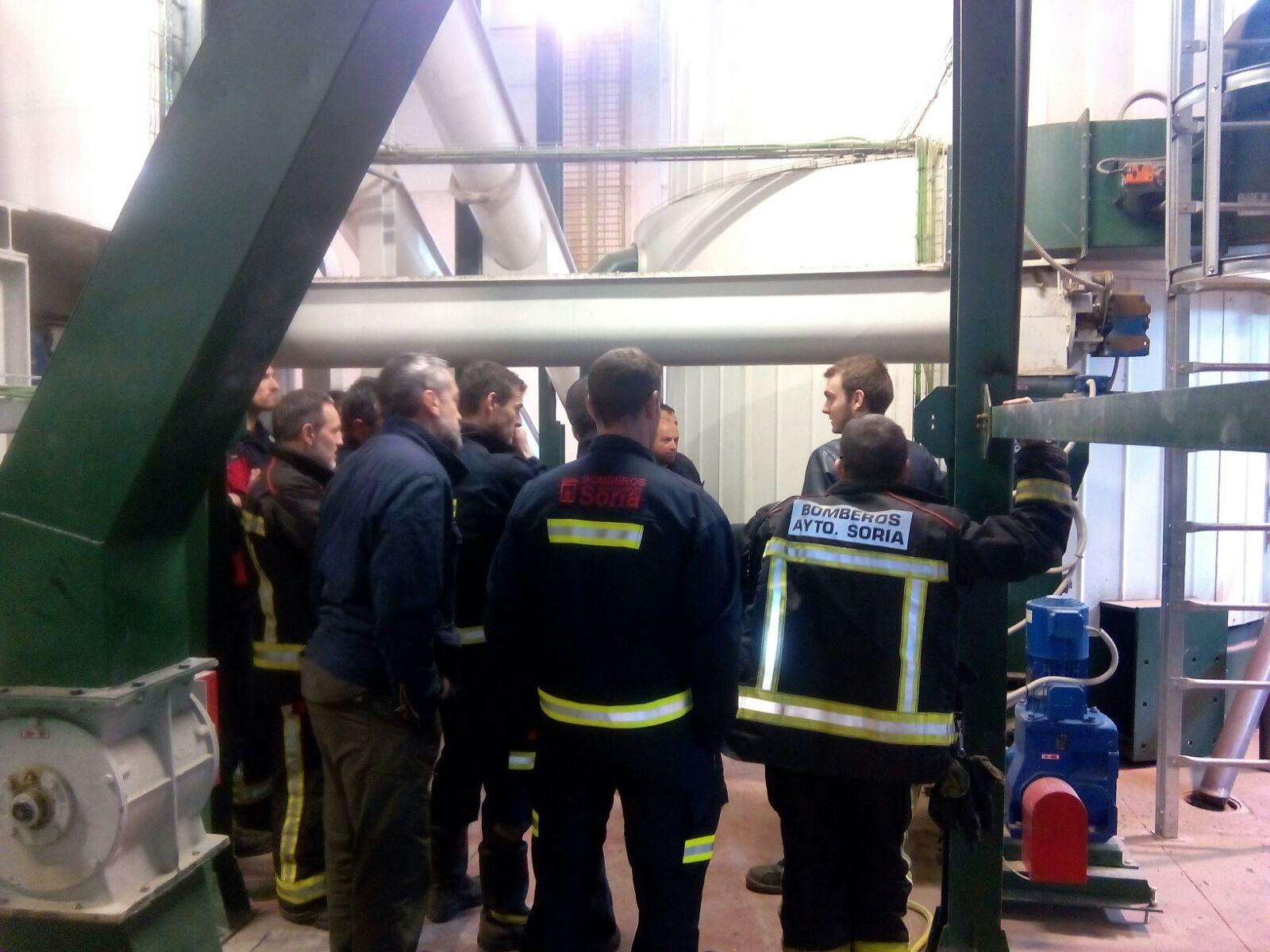 Visita de los bomberos de Soria a la central térmica-3