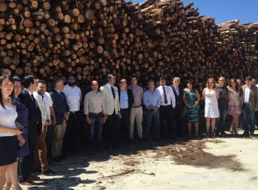 REBI SLU: El consejero de Medio Ambiente visita la planta de astillado que construye Centrales de Calor con Biomasa de Soria en Mombeltrán (Ávila)