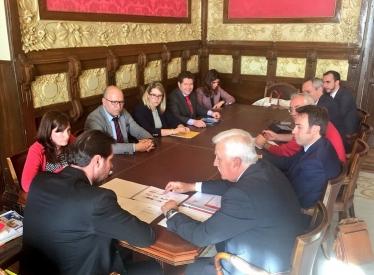 REBI SLU: Rebi participa en la reunión mantenida entre AVEBIOM y el alcalde de Valladolid, socialista Óscar Puente