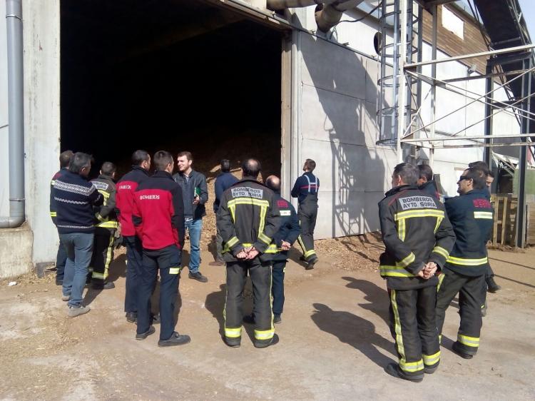 REBI SLU: Los bomberos de Soria conocen el funcionamiento de la Red de Calor de Soria de cara a prevenir posibles problemas durante una intervención